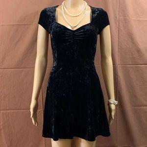 ⭐️NWOT⭐️ Crushed Velvet Little Black Dress